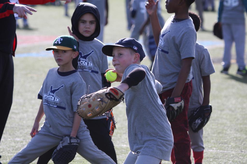 CA-Baseball-Clinic2